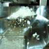 フィーダー 供給方式による粉の落ち方の違い
